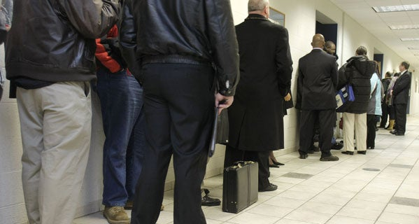 economics-blog-people-in-line-at-job-fair