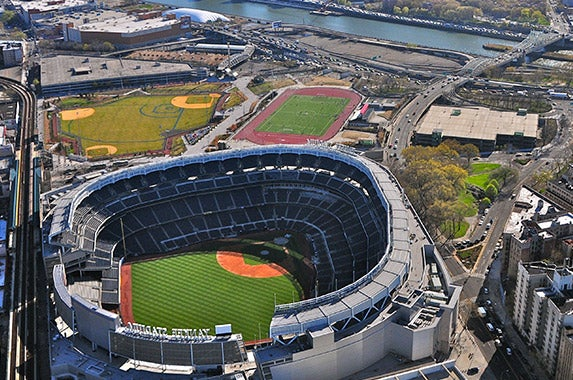 Yankee Stadium (New York Yankees) © Richard Cavalleri/Shutterstock.com