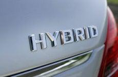 Hybrid car © Boca - Fotolia.com