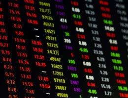 Manage operational risk © QUAN ZHENG/Shutterstock.com