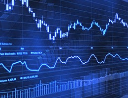Stockbrokers take the long view © AshDesign/Shutterstock.com