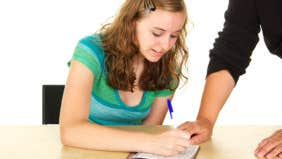 Teen checking account – 5 tips to keep in mind
