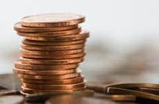 Stack of pennies © Randy Moulton / Fotolia