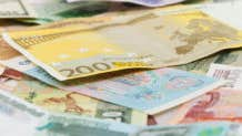 4 ways to minimize foreign currency risk