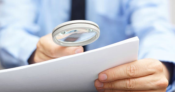 Bottom line: Check the fine print © Bacho/Shutterstock.com