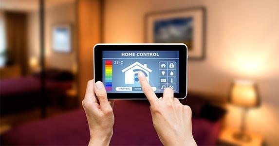 Technology © scyther5/Shutterstock.com