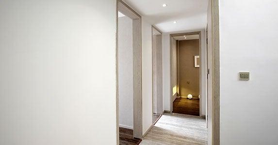 Play 'count the bedrooms' © LI CHAOSHU/Shutterstock.com