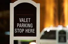 Valet parking © fotosav/Shutterstock.com