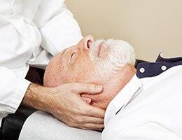 Bogus medical treatment after a staged car crash © Lisa F. Young/Shutterstock.com
