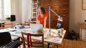 2 ways to deduct your home office on your taxes