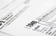 Form 1040 and W2 © iStock