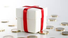10 frugal tips for the ho-ho-holidays