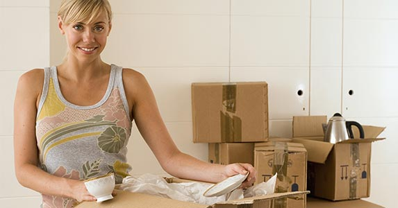 Free expedited shipping © Air Images/Shutterstock.com