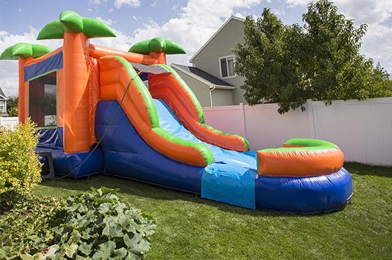 Kiddo Octopus Jump 'N' Slide Fun House © Brocreative/Shutterstock.com