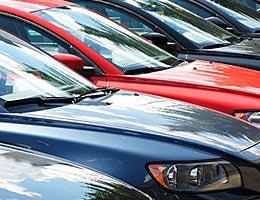 Cars © Alexander Chaikin/Shutterstock.com