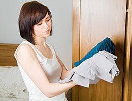 Clothes swapping © Robert Kneschke/Shutterstock.com