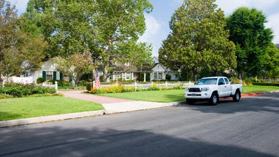 The benefits of bundling your home and auto insurance