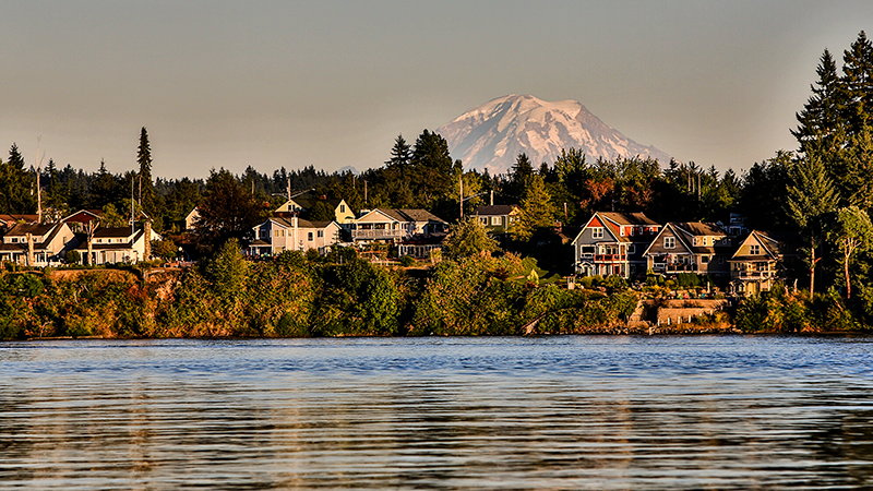 Mt rainier and surrounding homes in Washington State