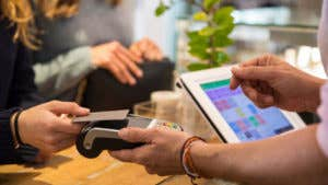 Credit card issuers that offer contactless cards