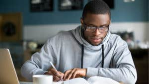 What credit score is needed for a student loan?