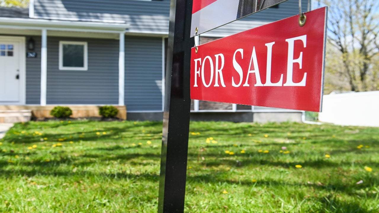 Bidding Wars Become Common For Entry-Level Homes As Supply Tightens |  Bankrate
