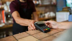 What are contactless credit cards?