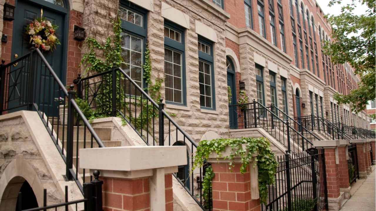 A row of Chicago townhouses