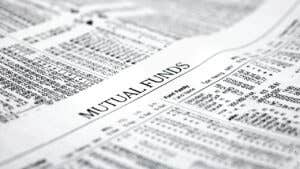 Mutual fund vs. ETF: Are ETFs a better investment?