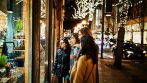 6 tips for navigating the holidays if you took a financial hit this year