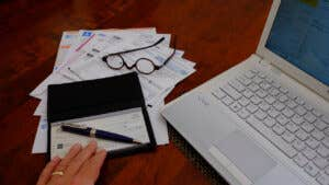 How to balance a checkbook step by step