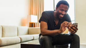 6 signs your side hustle needs a business bank account