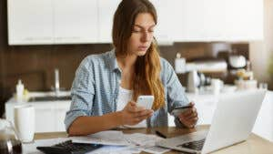 Guide to negotiating a balance transfer fee