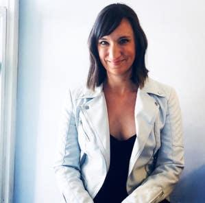 Image of the author Lara Vukelich