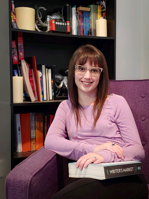 Image of the author Carly Severino