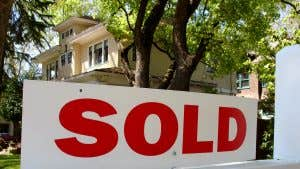 In these states, a majority of homes sell over asking price