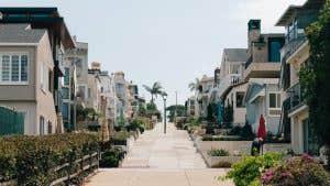 Compradores hispanos a punto de convertirse en la fuerza dominante en el mercado de la vivienda