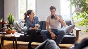Which credit cards earn rewards for Airbnb and VRBO stays?