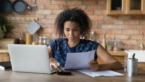 How are women affected by the student loan crisis?