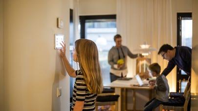 Smart home insurance discounts