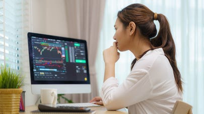 Survey: Where pros say to invest $10,000 right now