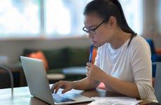 High schooler applies for college online