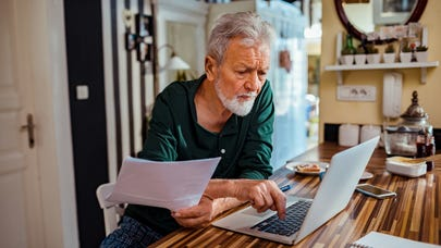 How to prioritize different savings goals: Emergency savings, retirement savings and debt repayment